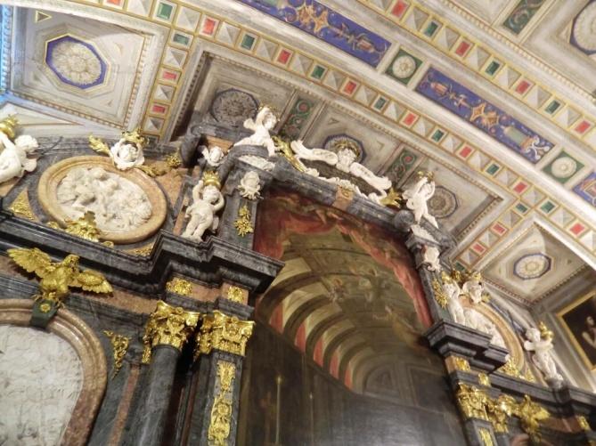 Detalle del lienzo de Claudio Coello en el Retablo de la Sagrada Forma. Sacristía de El Escorial