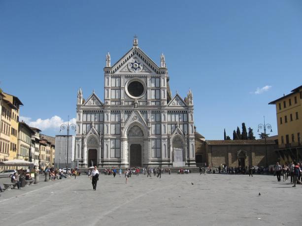 Florencia. Fachada de la iglesia de Santa Croce.