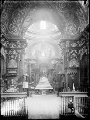 Vista del interior de San Isidro antes de su destrucción.