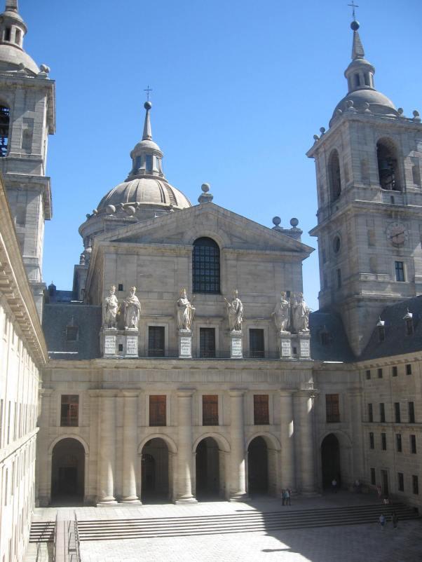 J.B. Toledo y J. Herrera. Fachada de la basílica de El Escorial