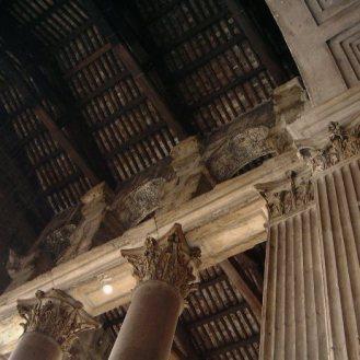 Detalle de la techumbre de la pronaos del Panteón de Roma [foto: wikipedia]