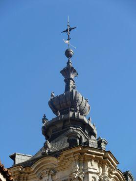 Pedro de Ribera. Remate del chapitel de la torre de la iglesia de Montserrat en Madrid.