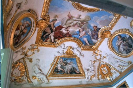 Juan Bautista Morelli (estucos) y Luca Giordano (frescos). Techo del despacho de Carlos II en Aranjuez.