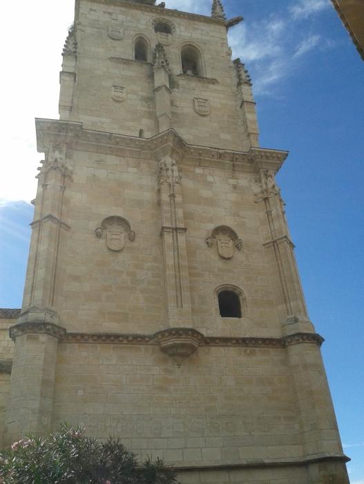 Iglesia de Torrelaguna. Detalle de su torre-campanario.