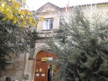 Palacio de Salinas. S. XVI. Actual cuartel de la Guardia Civil.