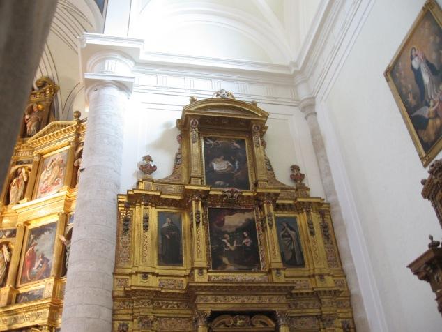 Detalle del retablo de la Virgen de la Paz