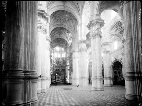 Interior de la catedral de Granada. Foto: IPCE (Archivo Moreno)