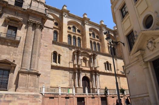 José de Bada. Muro sur y portada lateral.
