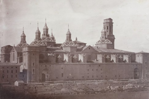 Vista de la Basílica del Pilar desde el otro lado del río. Anónimo anterior a 1880. Museo del Prado.
