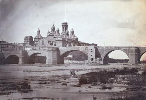 Vista del puente y la basílica del Pilar desde el río Ebro. Anónimo anterior a 1880. Museo del Prado.
