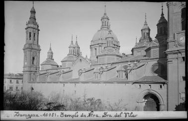 Loty. Exterior de la basílica del Pilar. Foto: archivo Loty IPCE.