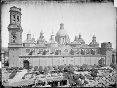 Jean Laurent. Exterior de la Basílica del Pilar. Foto: archivo Ruiz-Vernacci IPCE