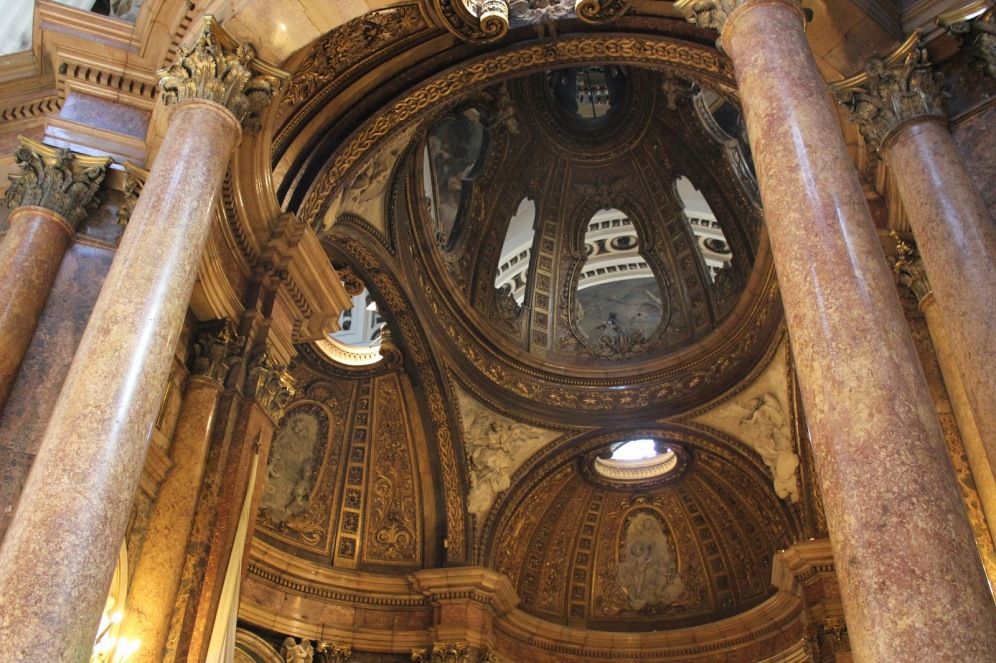Ventura Rodríguez. Capilla de la Virgen del Pilar (detalle) foto: Ramón Escobar Hervás (maravillas ocultas de España)