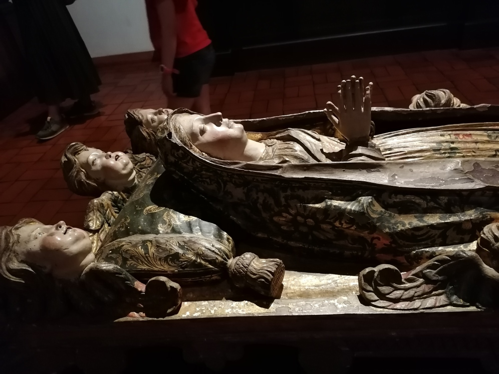 Muerte o tránsito de la Virgen (detalle). Talla policromada. Museo Alberto Sampaio de Guimaraes (Portugal). foto: @cipripedia.
